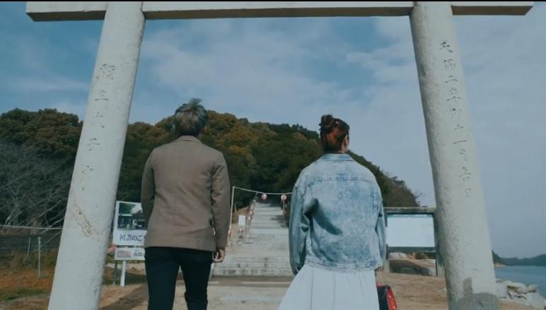 参道を歩いて牛窓神社へ-1