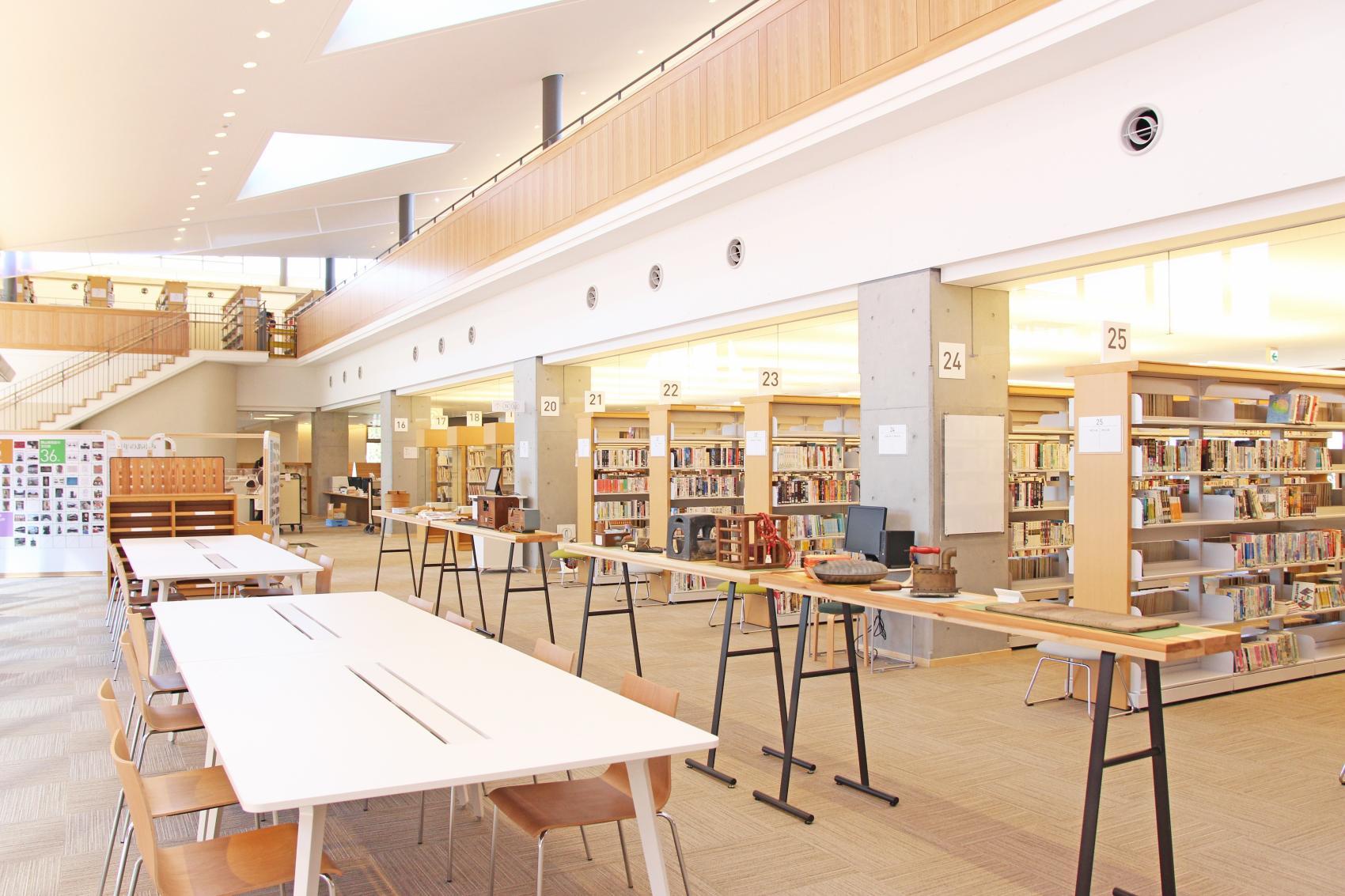 瀬戸内市民図書館 もみわ広場-1